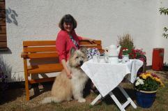Pension Lenz 025 Frau Lenz mit Hund quer