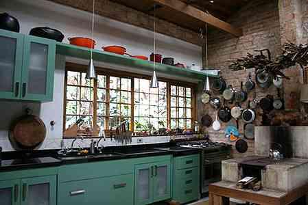 Projetos de cozinhas com fogo a lenha