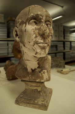 Fig 2: Bust of Nicollo Da Uzzano: This cast by D. Brucciani & Co. was coated in shellac, suggesting it was used to make subsequent copies.(Archive Reference: GST/2)
