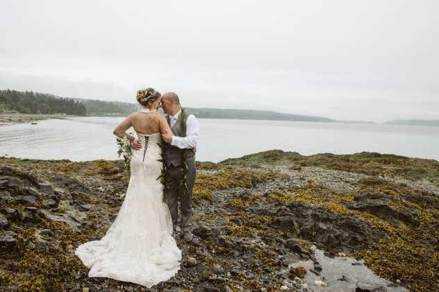 olympic peninsula beach wedding in the pacific northwest