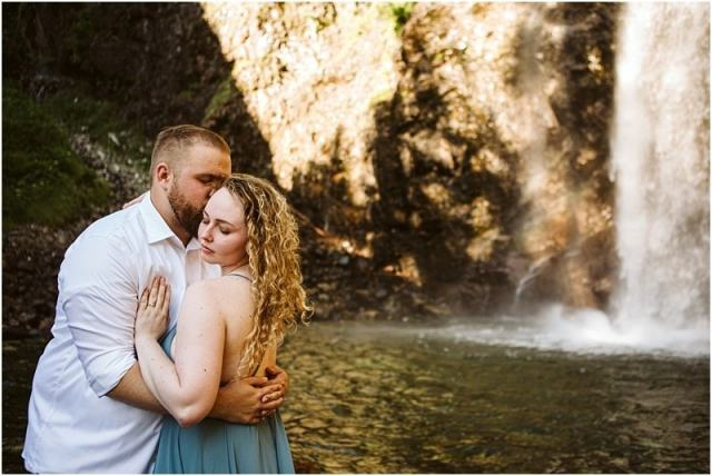 Fallin' for You | Franklin Falls Engagement Session | GSquared Weddings Photography