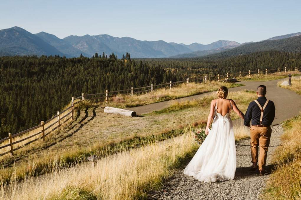 Elopement at Suncadia in Eastern Washington bride in white gown