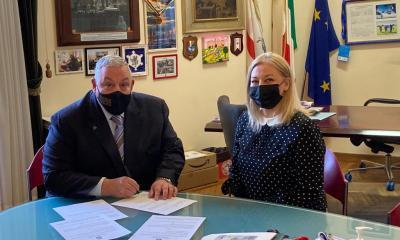 sindaco-vivarelli-colonna-prima-firma-prestito-donore