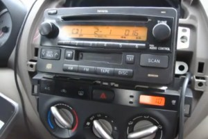 Bluetooth and iPhoneiPodAUX Kits for Toyota RAV4 2003