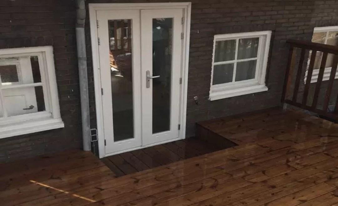 Thermisch grenenhout buitenvloer