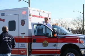 Assemblyman Phil Goldfeder stood with southern Queens volunteer fire departments to call on the city Department of Transportation and Fire Department to install a potentially lifesaving traffic pre-emption system for emergency care.