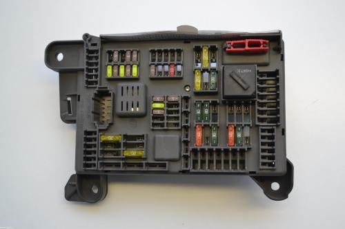 small resolution of bmw x5 e70 2011 fuse box board module 518954021a 2011 bmw x5 fuse box location 2011 bmw x5 35d fuse box diagram