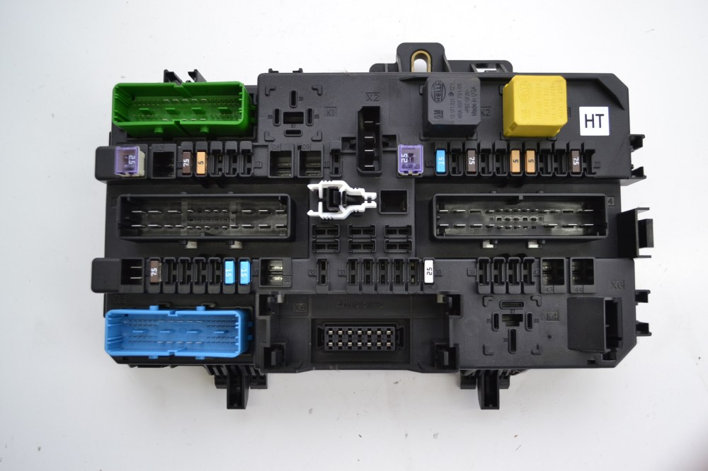 medium resolution of details about opel vauxhall astra h 2008 1 8 petrol fuse box comfort module 5dk008669 33