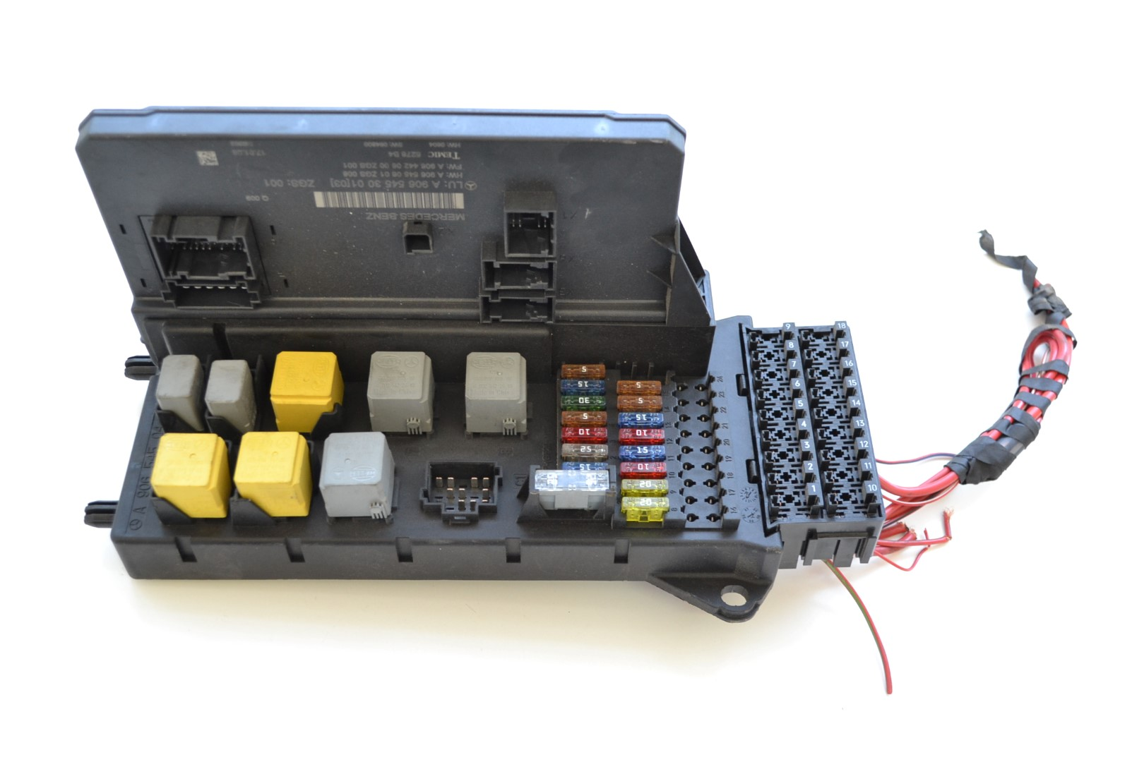 hight resolution of details about mercedes sprinter 2008 rhd relay fuse box sam module unit a9065450401