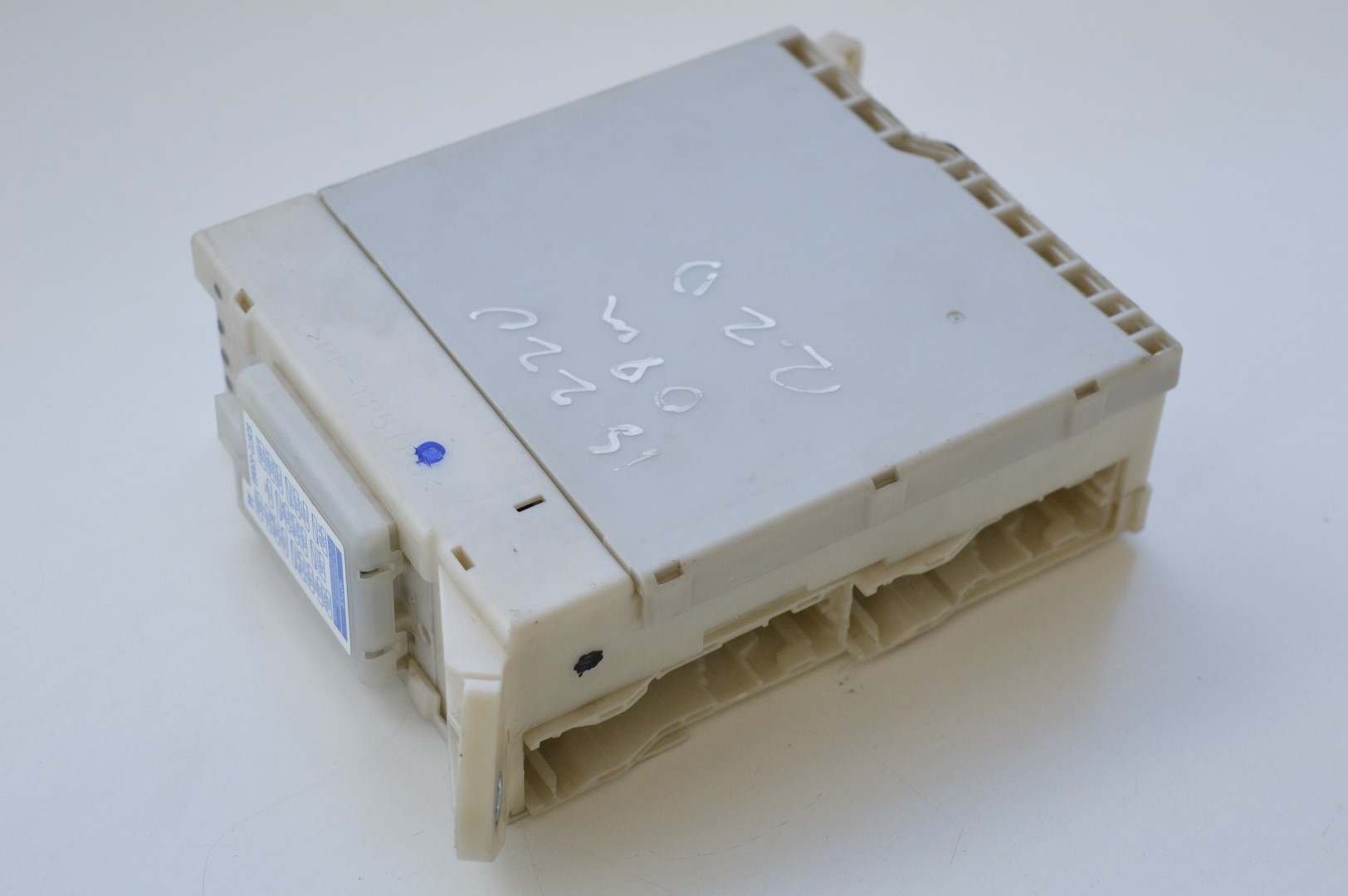 hight resolution of lexus is 220d 2008 rhd interior fuse box module junction board 82730 53050