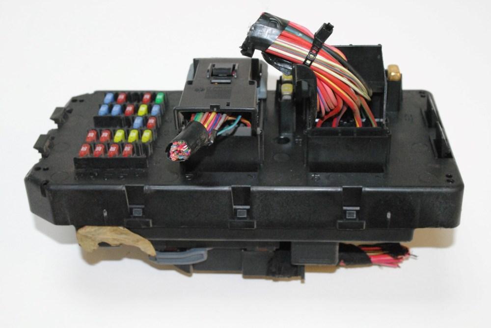 medium resolution of jeep grand cherokee 3 0 crd 4x4 2007 rhd relay and fuse box module 56050066ac