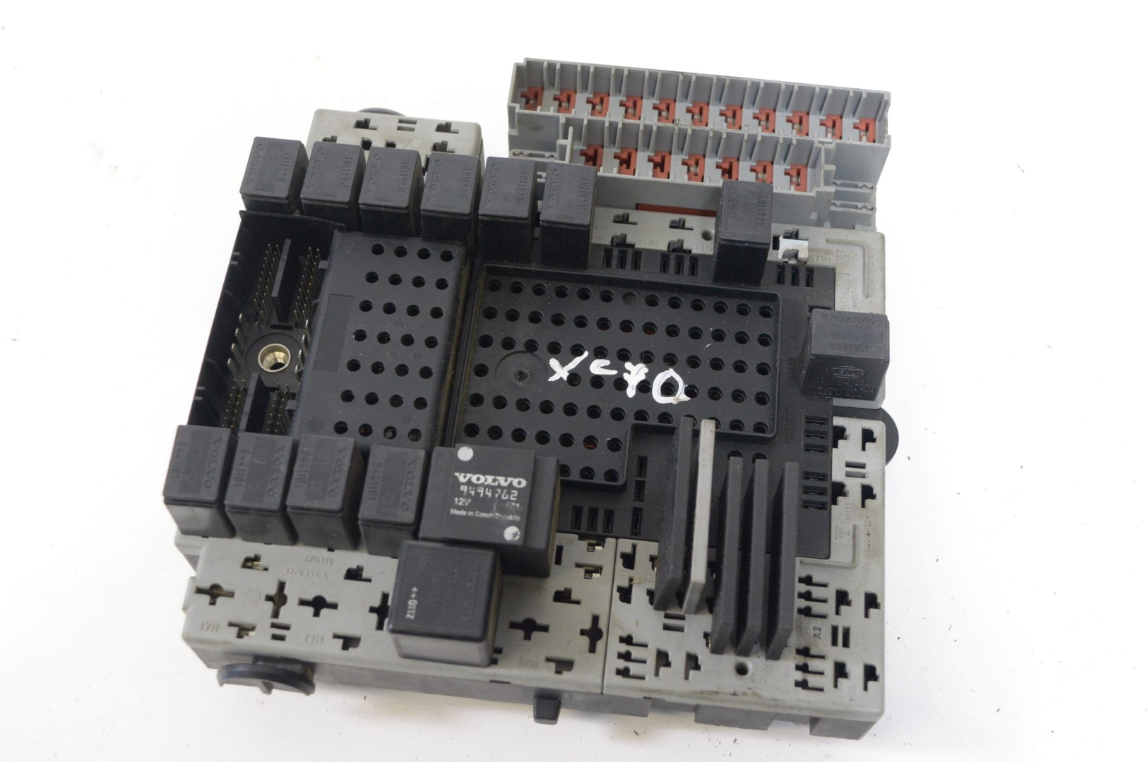 hight resolution of volvo xc70 cross country 2001 rhd relay and fuse box 8622520 8651547 8651548