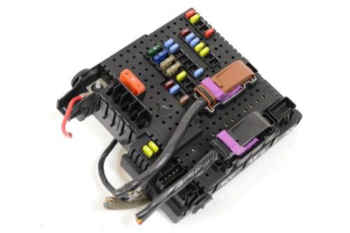 small resolution of volvo s60 2 4 d5 2006 rhd relay fuse box board module unit 30786646