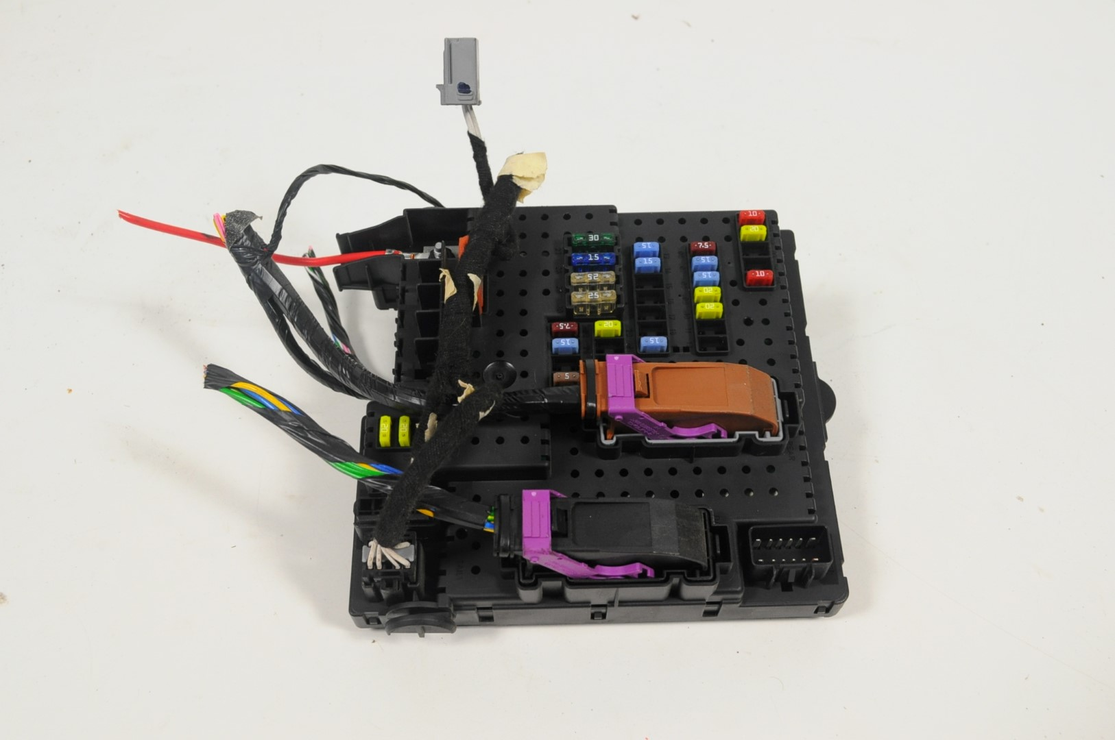 hight resolution of volvo xc90 4 4 v8 2006 lhd fuse box rear electric module unit rem 30728512