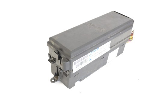 small resolution of details about range rover sport 3 6 td8 2007 rhd engine bay relay fuse box ymb507310b