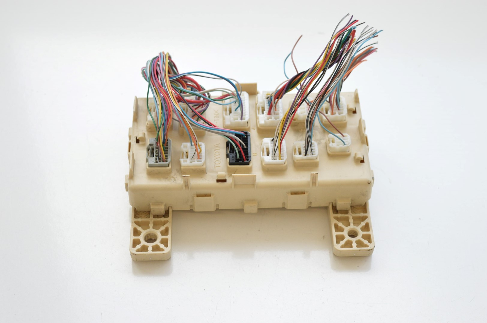 hight resolution of details about lexus rx 300 2005 rhd electric fuse box unit