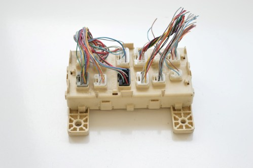small resolution of details about lexus rx 300 2005 rhd electric fuse box unit