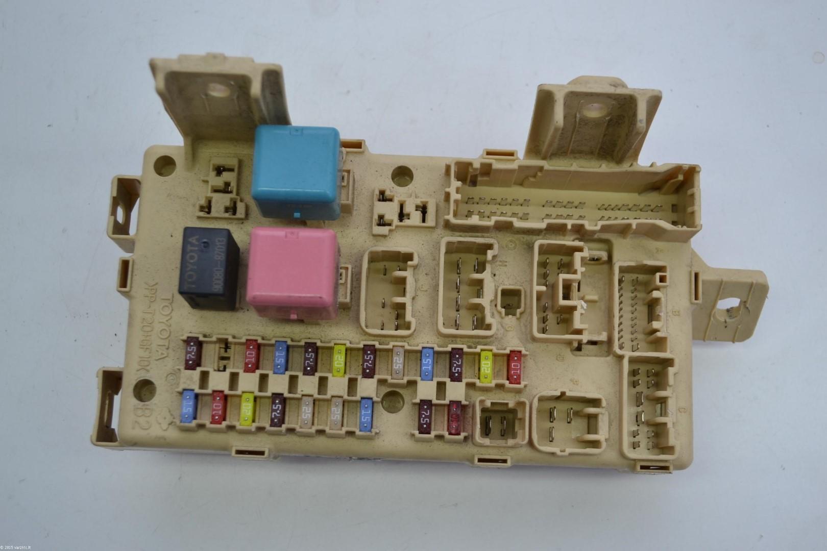 hight resolution of toyota avensis 2 0 diesel 2006 rhd relay integration fuse box 82641 05070