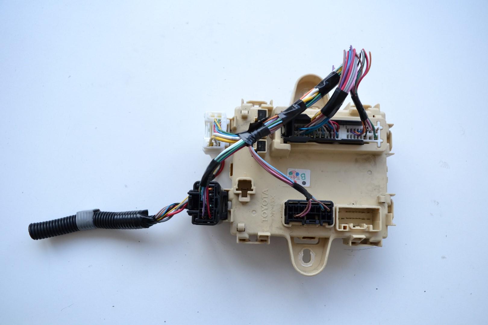hight resolution of lexus rx 350 awd 2007 rhd fuse box board module unit