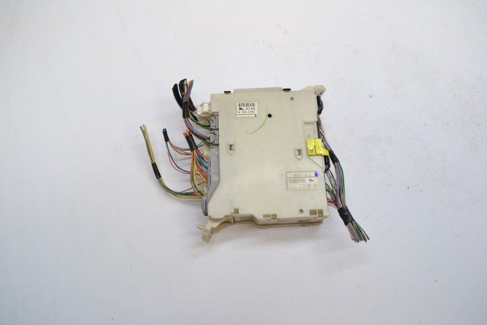 medium resolution of lexus is220d 2007 rhd interior fuse box 82730 53050 82672 53060