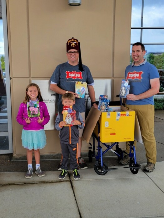 Marc, Chris, and helpers delivery to Shriners Hospital for Children