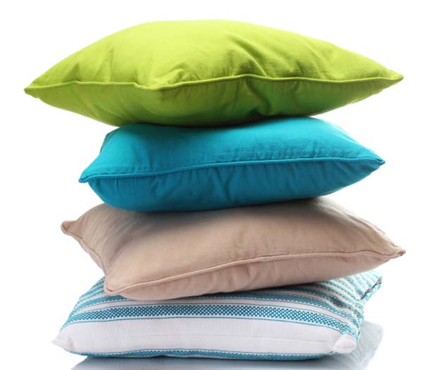 Come lavare i cuscini del divano in modo low cost