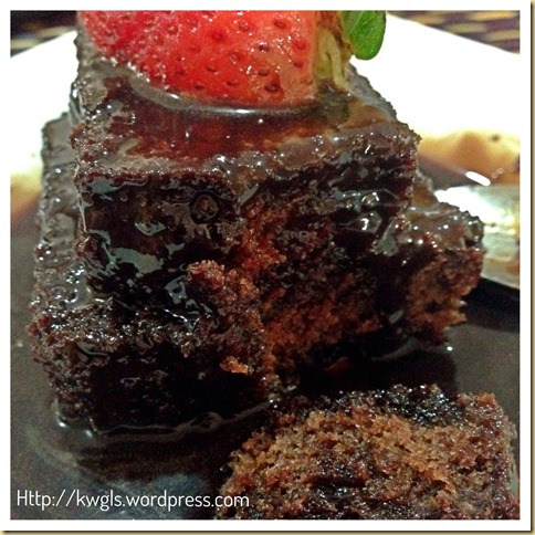 Luxurious Chocolate Cake with Chocolate Sauce–One Baking Ratio Number Adventure (12)