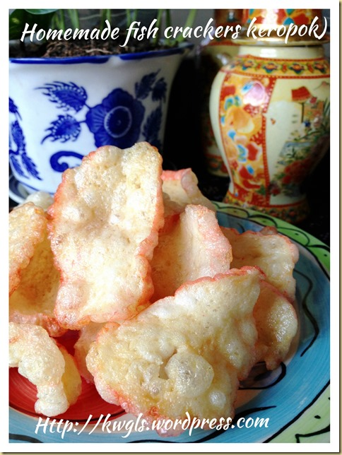 Simple Prawn or Fish Crackers (Keropok, 炸鱼饼,炸虾饼)