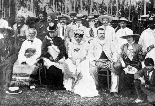 Richard Seddon and the Royalties of Niue, 1900. From the Wikimedia Commons.