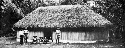 A Tahitian house before 1910. Photo from Frederick William Christian (1910) courtesy of Wikimedia Commons.