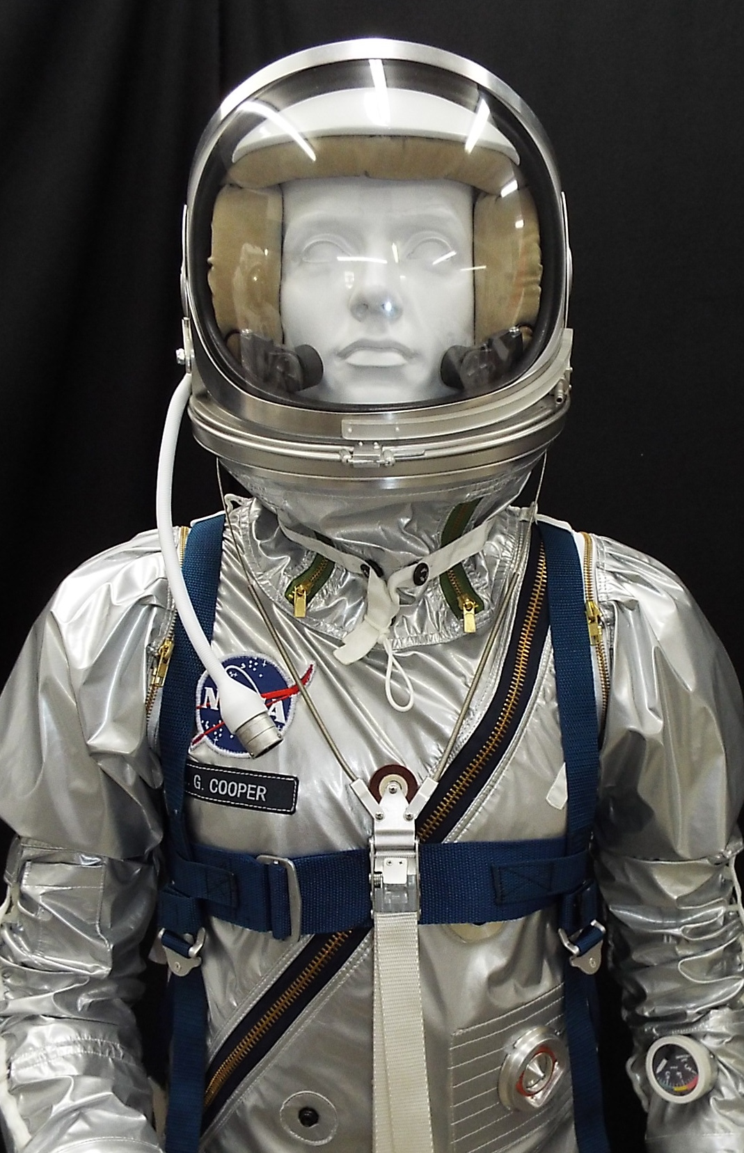 hight resolution of diagram of a gemini space suit hd