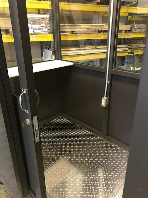 4X6ECONO-Interior