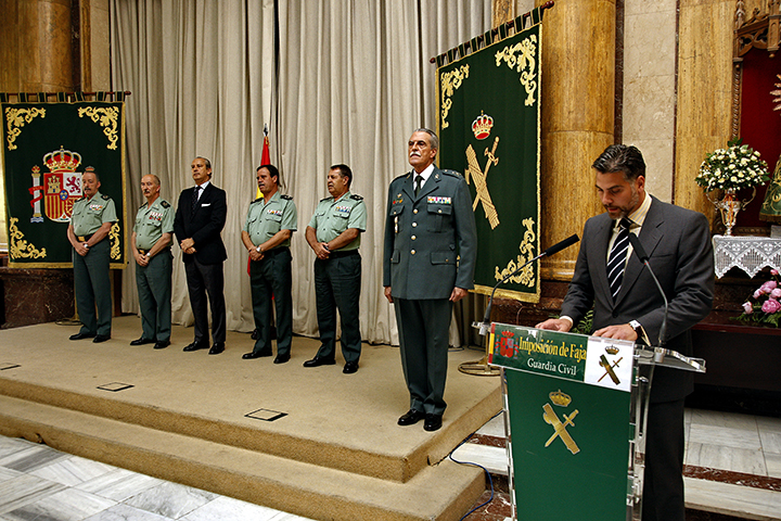 El Director General preside la imposición de faja de General de la Guardia Civil a Emiliano Blasco