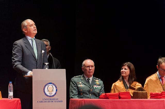 El Director General de la Guardia Civil asiste al acto de graduación de los 71 alumnos titulados en Ingeniería de la Seguridad