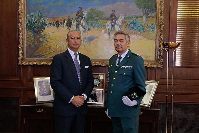 El Director General recibe al Coronel Antonio Sierras Sánchez, con motivo de su nuevo destino como Jefe de la Comandancia de Melilla