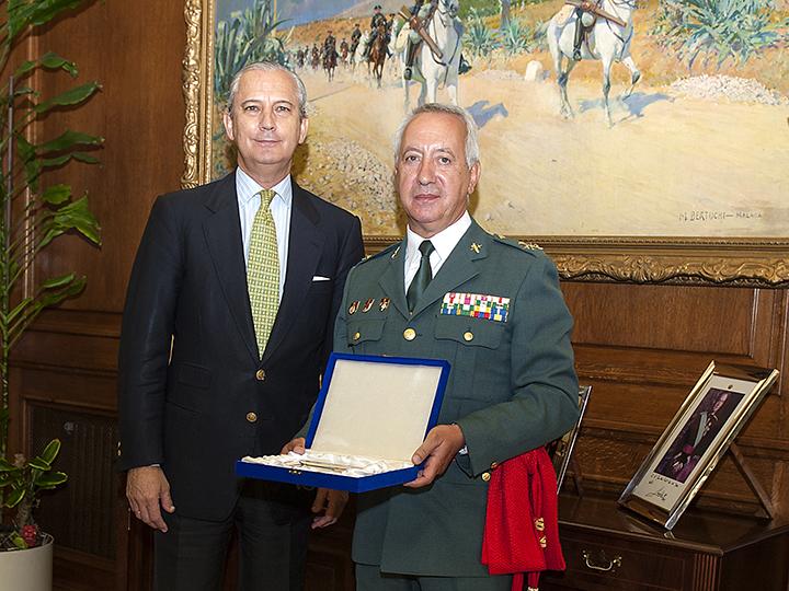 El Director General despide al General de División Ildefonso Hernández Gómez, con motivo de su pase a la Reserva