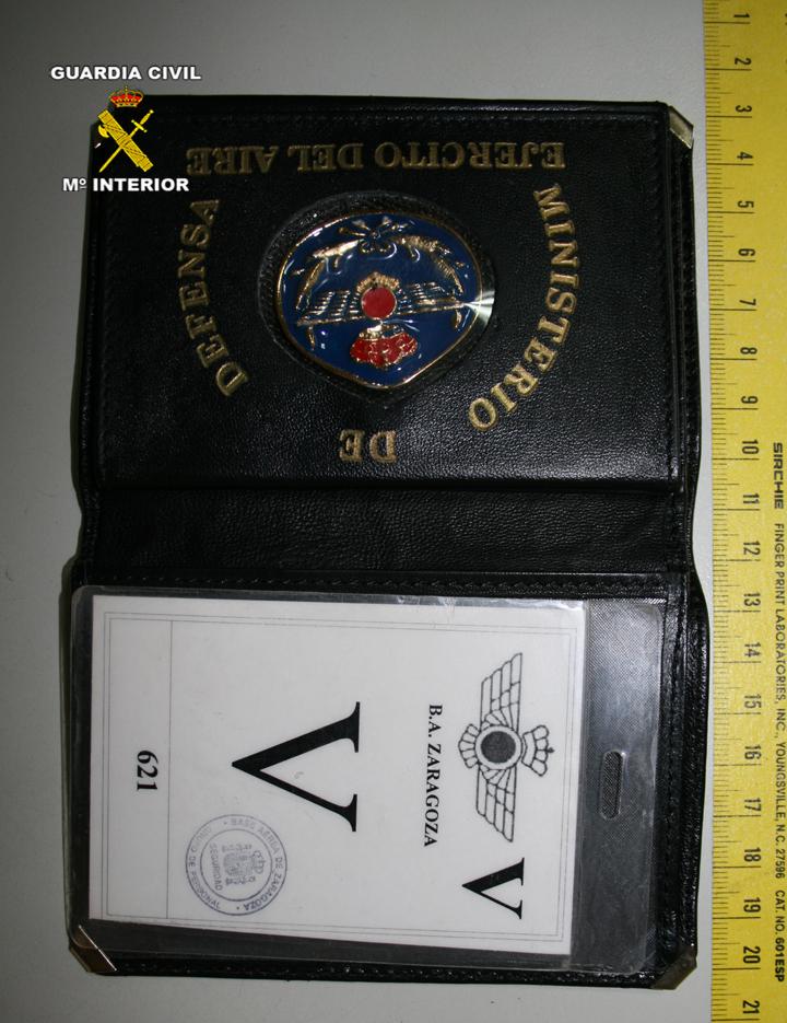 La Guardia Civil detiene a una persona que se hacía pasar por agente secreto para captar a supuestas nuevas agentes