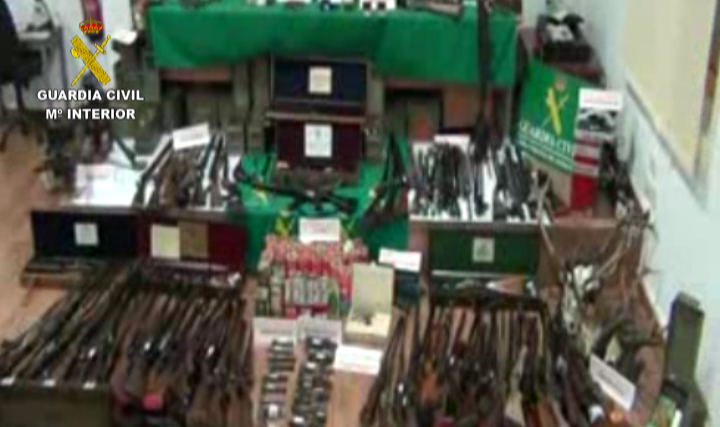 La Guardia Civil desmantela un grupo dedicado al tráfico y fabricación de armas de fuego