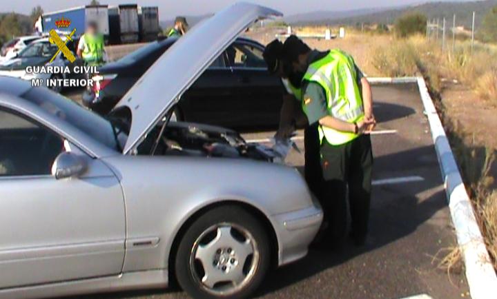 La Guardia Civil detiene a cincuenta y cinco personas en una operación internacional contra el robo de vehículos de lujo