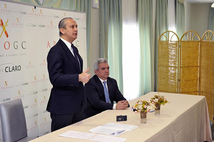 Arsenio Fernández de Mesa junto con el Presidente de APROGC