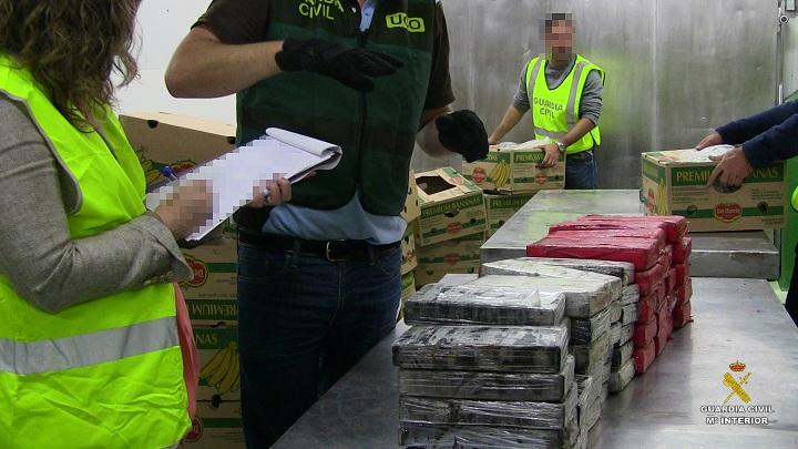La Guardia Civil desarticula una red de narcotráfico e interviene 54 kilos de cocaína en un cargamento de plátanos