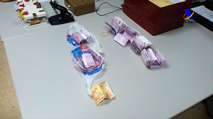 Intervenidas cerca de 1 millón de cajetillas de tabaco de contrabando y 1.578.000 divisas procedentes del blanqueo de capitales
