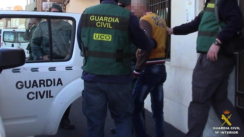 La Guardia Civil desmantela una organización criminal implicada en más de 100 robos en viviendas de Alicante y Murcia