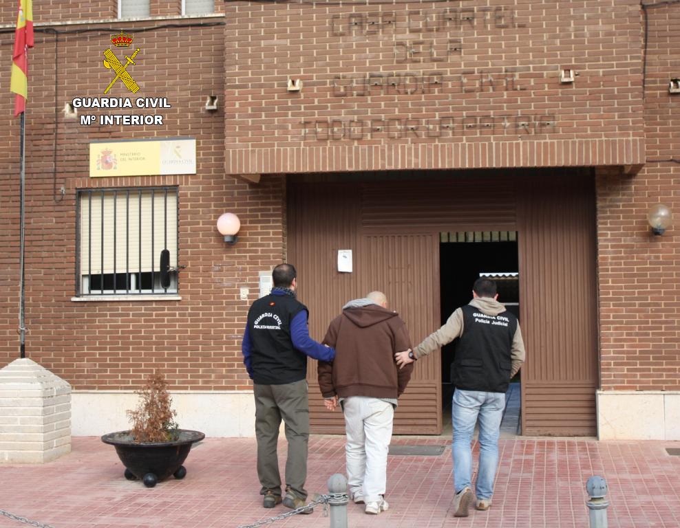La Guardia Civil detiene a un huido de la justicia británica que se ocultaba en España desde hace diez años con identidad falsa