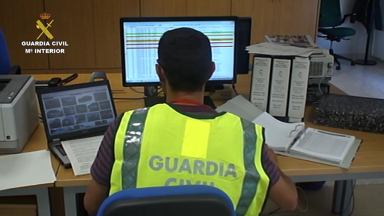La Guardia Civil desarticula una red por defraudar 15 millones de euros del I.V.A. correspondiente a vehículos adquiridos en la Unión Europea