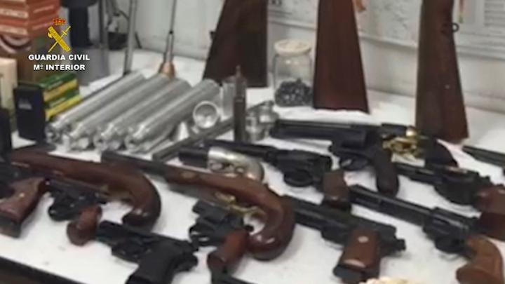 La Guardia Civil detiene a ocho personas por tráfico y tenencia ilícita de armas en localidades de Huesca y Madrid