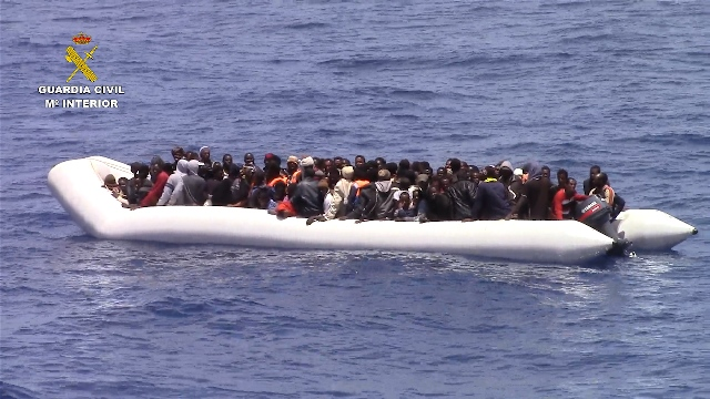 La Guardia Civil rescata a 527 inmigrantes al Sur de la  Isla de Lampedusa (Italia)