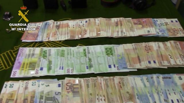 La Guardia Civil desarticula una organización criminal internacional asentada en Málaga que distribuía grandes cantidades de hachís
