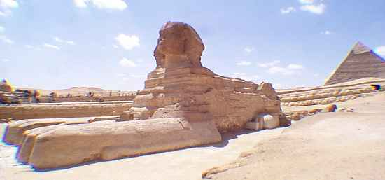 Sphinx north side with Pyramid of Khafre - Copyright (c) 1998 - Andrew Bayuk, All Rights Reserved