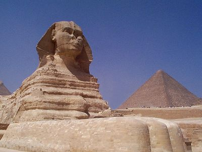 https://i0.wp.com/www.guardians.net/egypt/sphinx/images/sphinx-southeast-2001.jpg